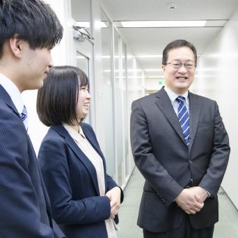 代表取締役社長 加川 伸 2